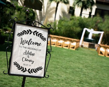 Half Wreath Welcome Wedding Sign